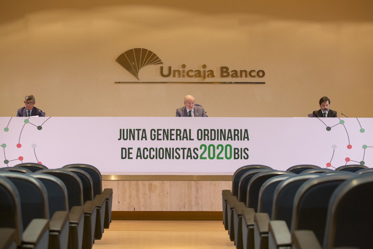 Unicaja Banco's General Meeting approves to allocate 77.52 million to reserves and to reduce its share capital to redeem shares held as treasury stock
