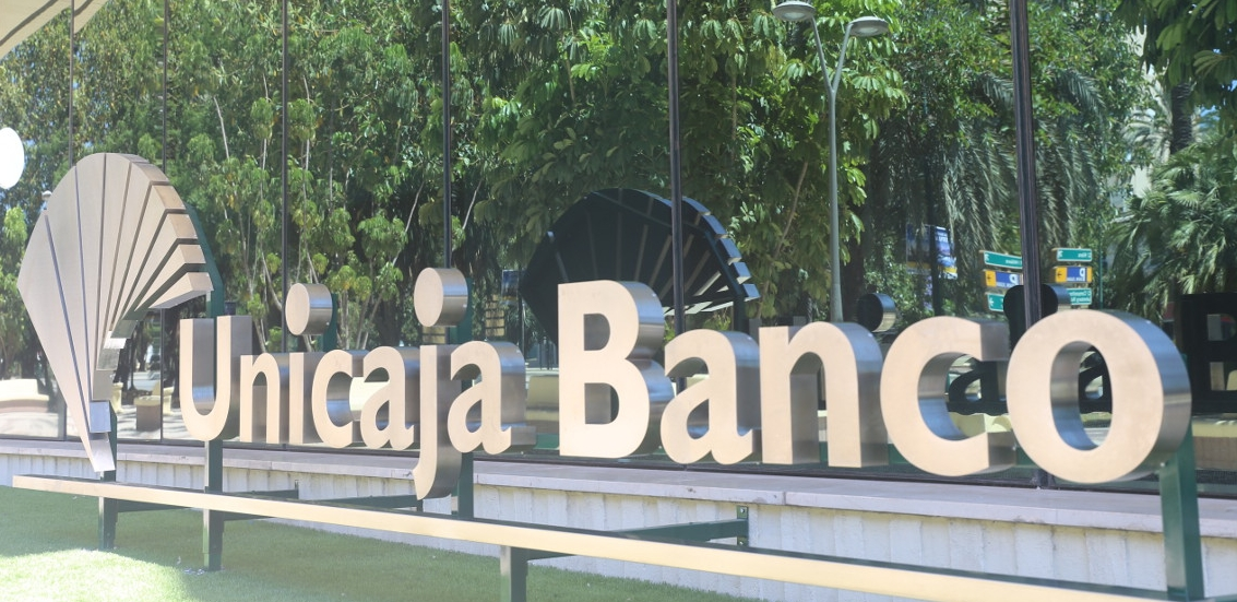 Unicaja Banco earns €77 million in the first nine months of the year after setting aside extraordinary provisions for €166 million due to COVID-19